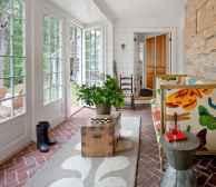 35 Best Farmhouse Sunroom Decor Ideas and Remodel (23)