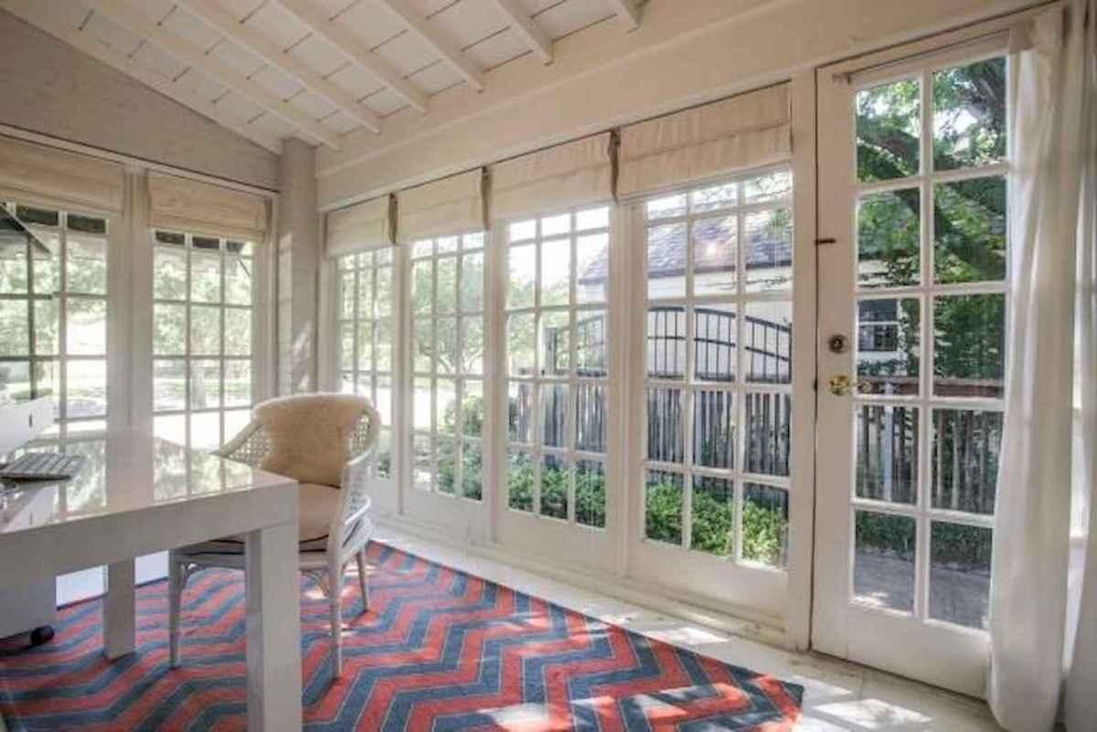 35 Best Farmhouse Sunroom Decor Ideas and Remodel (5)
