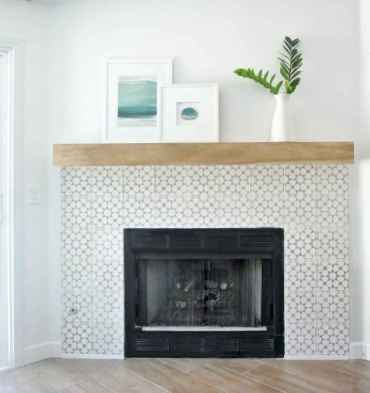 40 Awesome Farmhouse Fireplace Decor Ideas and Remodel (18)