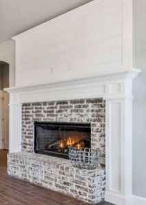 40 Awesome Farmhouse Fireplace Decor Ideas and Remodel (2)
