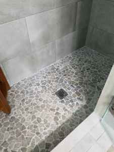 40 Beautiful Bathroom Shower Tile Design Ideas and Makeover (18)