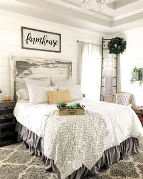 40 Modern Farmhouse Bedroom Decor Ideas and Makeover (17)