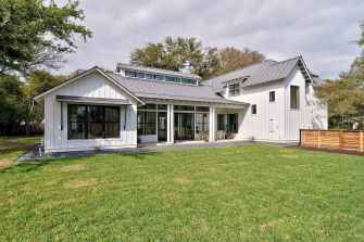 90 Awesome Modern Farmhouse Plans Design Ideas and Remodel (31)