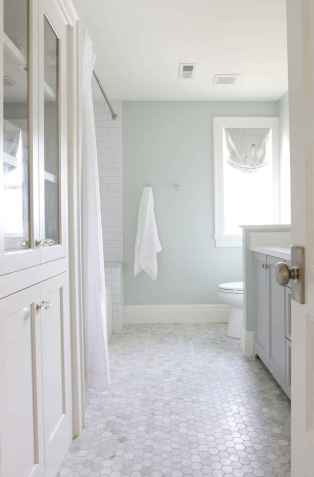 150 Awesome Farmhouse Bathroom Tile Floor Decor Ideas And Remodel To Inspire Your Bathroom (11)