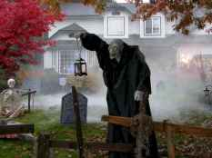 60 DIY Outdoor Halloween Decorations Ideas And Makeover (26)