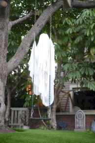 60 DIY Outdoor Halloween Decorations Ideas And Makeover (37)