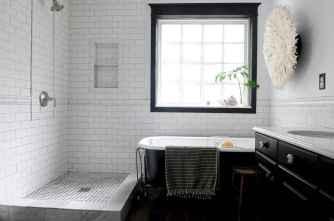 70 Inspiring Farmhouse Bathroom Shower Decor Ideas And Remodel (15)
