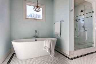 70 Inspiring Farmhouse Bathroom Shower Decor Ideas And Remodel (24)