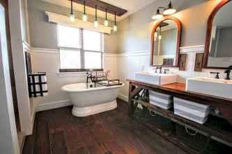 70 Inspiring Farmhouse Bathroom Shower Decor Ideas And Remodel (39)