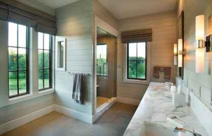 80 Awesome Farmhouse Master Bathroom Decor Ideas And Remodel (18)