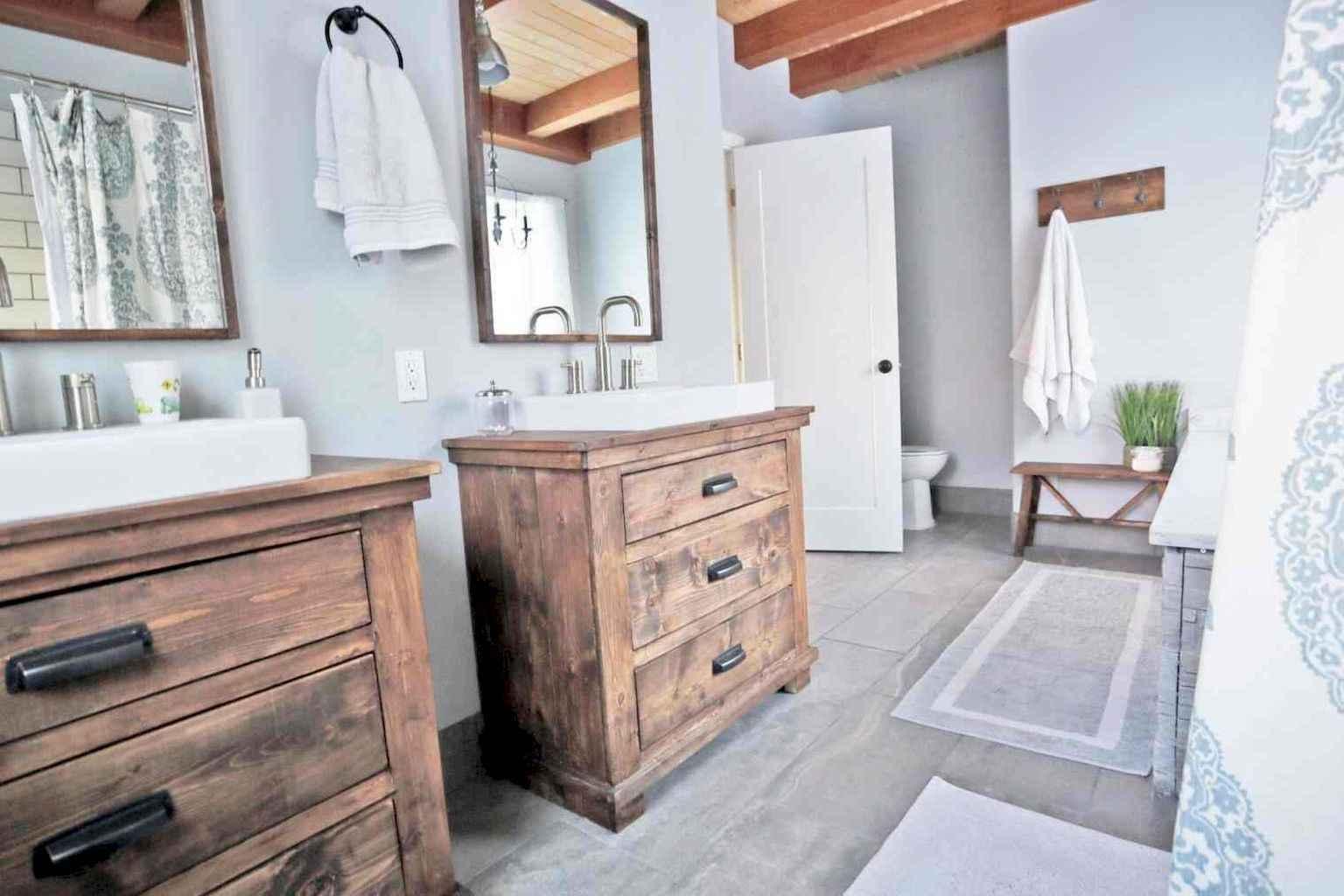 80 Awesome Farmhouse Master Bathroom Decor Ideas And Remodel (56)