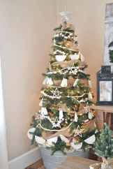 30 Rustic And Vintage Christmas Tree Decor Ideas (22)
