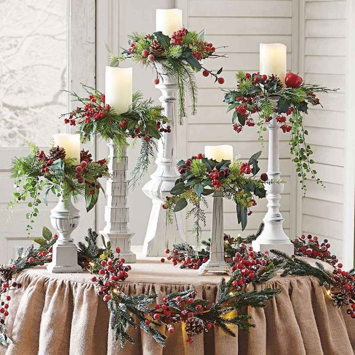 35 Beautiful Christmas Decor Ideas Table Centerpiece (24)