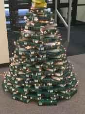 40 Unique Christmas Tree Decor Ideas (27)
