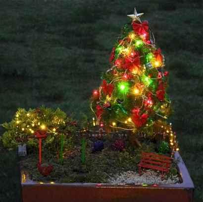 45 Beautiful Christmas Fairy Garden Decor Ideas (26)