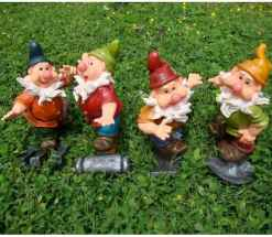 45 Beautiful Christmas Fairy Garden Decor Ideas (36)