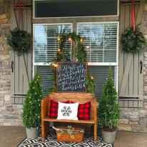 50 Front Porches Farmhouse Christmas Decor Ideas (17)