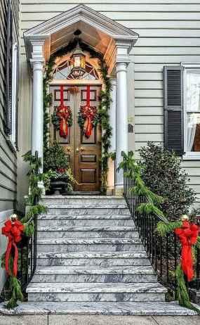 50 Front Porches Farmhouse Christmas Decor Ideas (43)