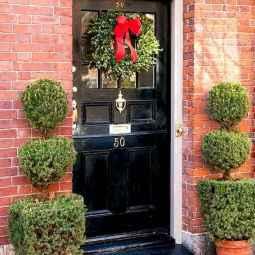 50 Front Porches Farmhouse Christmas Decor Ideas (46)