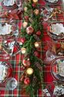 50 Stunning Christmas Table Dining Rooms Decor Ideas (1)