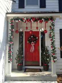 50 Stunning Front Porch Christmas Lights Decor Ideas (44)
