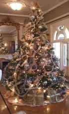 60 Awesome Christmas Tree Decor Ideas (16)