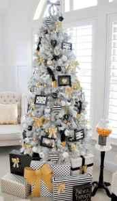 60 Awesome Christmas Tree Decor Ideas (33)