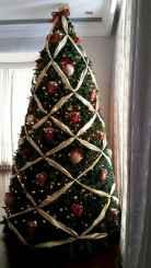 60 Awesome Christmas Tree Decor Ideas (36)