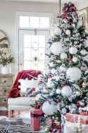 60 Simple Living Room Christmas Decor Ideas (34)