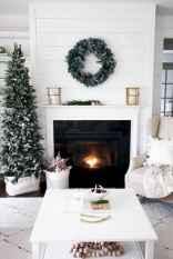 60 Simple Living Room Christmas Decor Ideas (53)