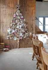 60 Simple Living Room Christmas Decor Ideas (54)