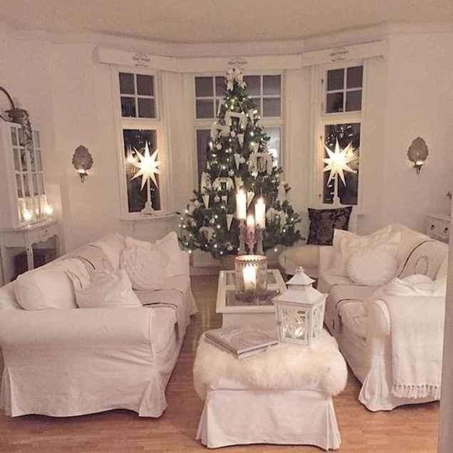 60 Simple Living Room Christmas Decor Ideas (59)