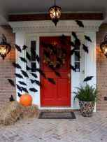 22 Chilling and Creative Halloween Porch Decorations (15)