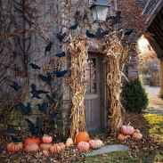 22 Chilling and Creative Halloween Porch Decorations (7)