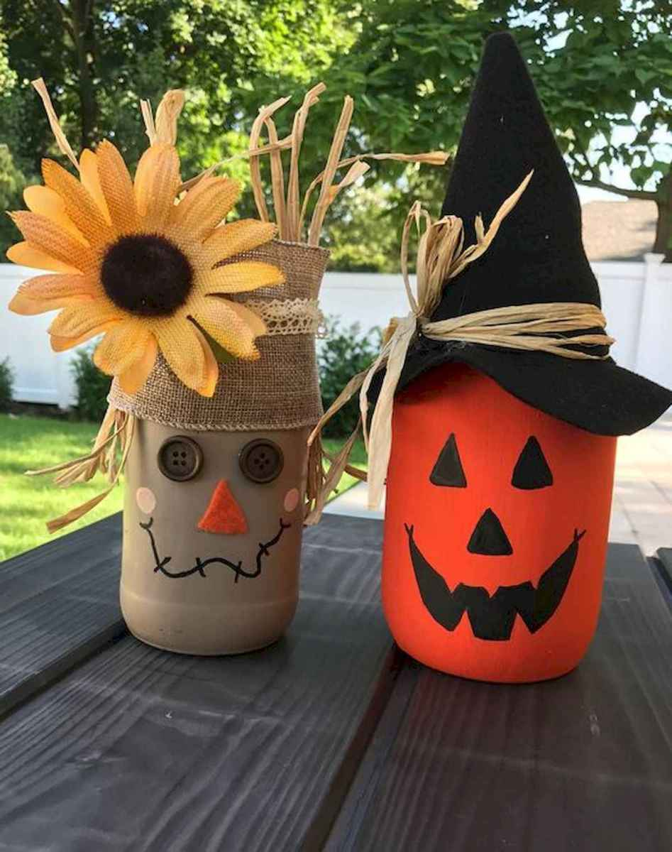 30 Best Creative DIY Mason Jar Halloween Crafts to Spice Up Your Fall Decor (22)