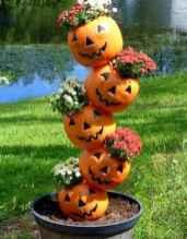 35 Best Creative DIY Halloween Outdoor Decorations for 2018 (15)