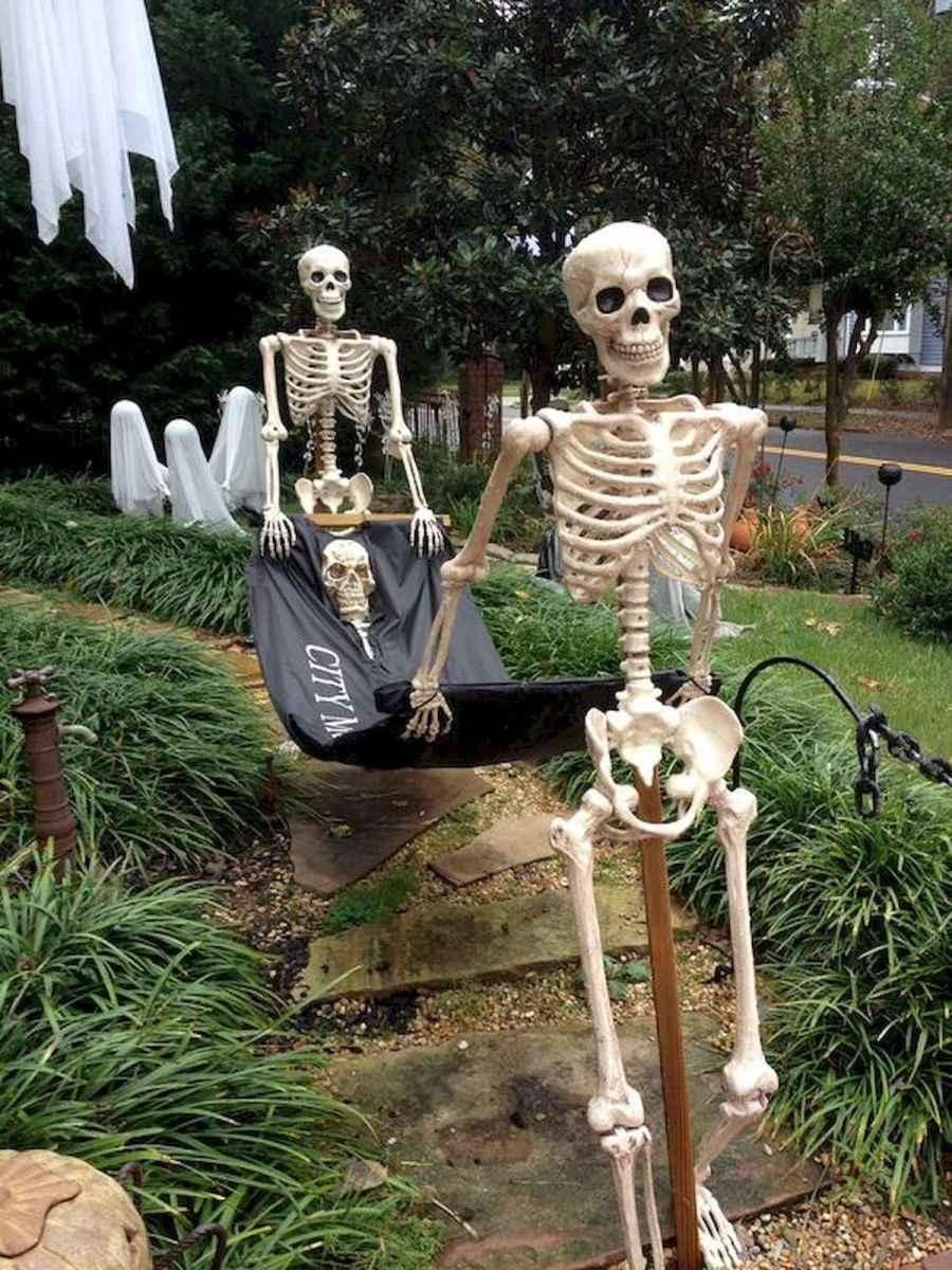 35 Best Creative DIY Halloween Outdoor Decorations for 2018 (2)