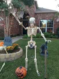 35 Best Creative DIY Halloween Outdoor Decorations for 2018 (6)
