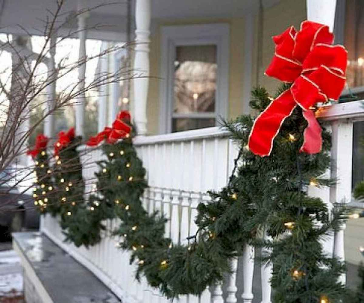 50 Awesome Christmas Front Porch Decor Ideas And Design (3)