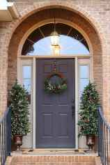50 Christmas Front Porch Decor Ideas And Makeover (15)
