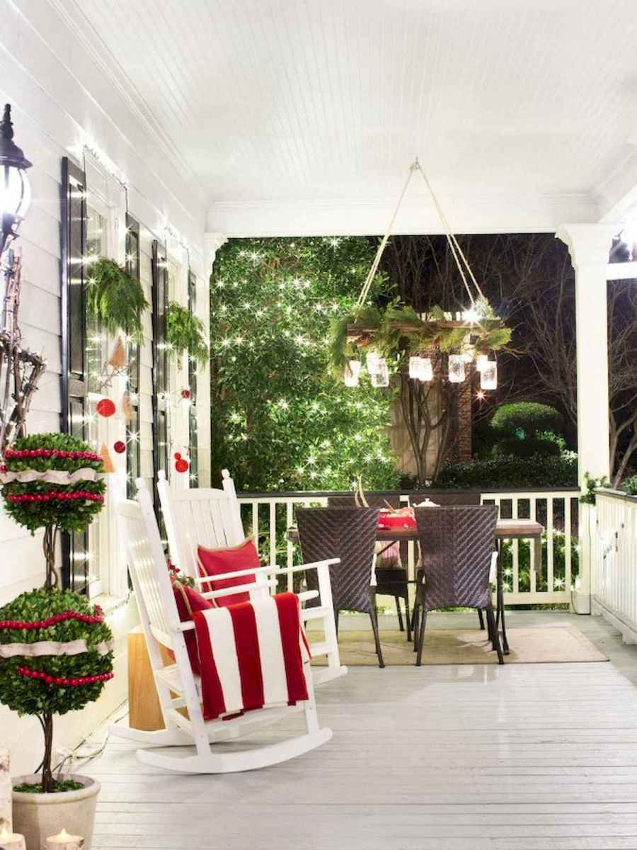 50 Christmas Front Porch Decor Ideas And Makeover (18)