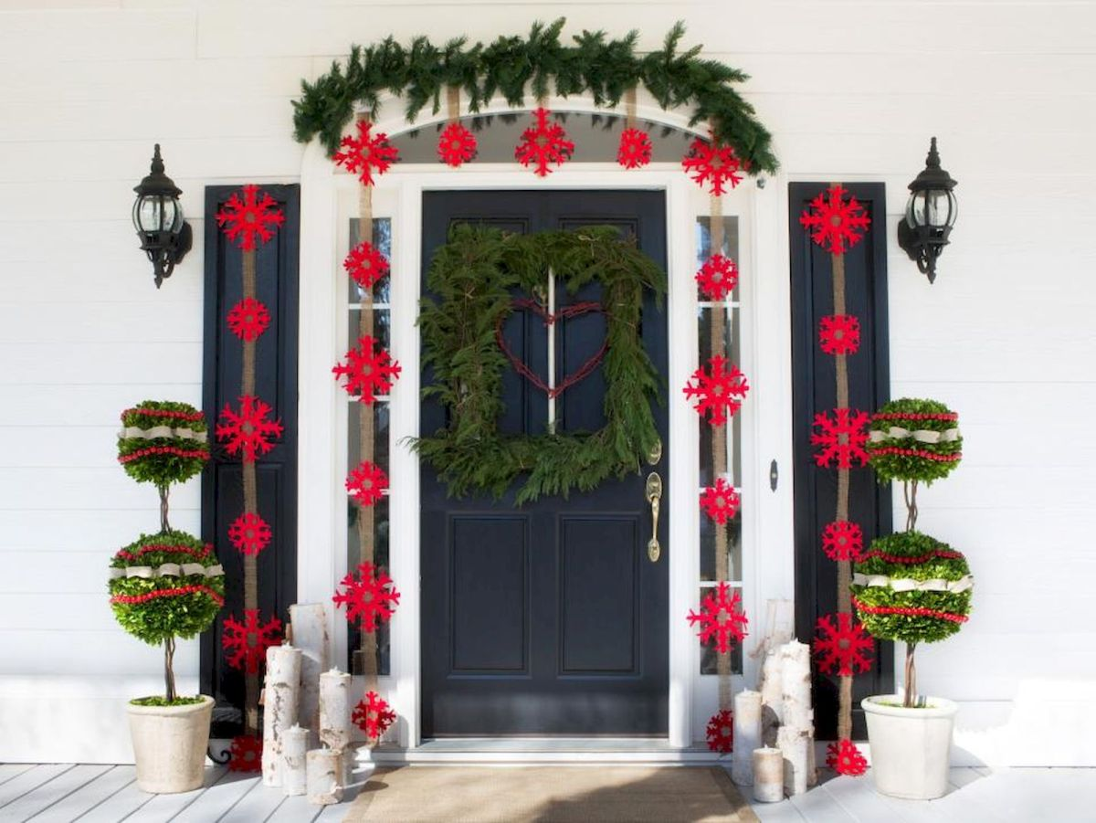 50 Christmas Front Porch Decor Ideas And Makeover (2)