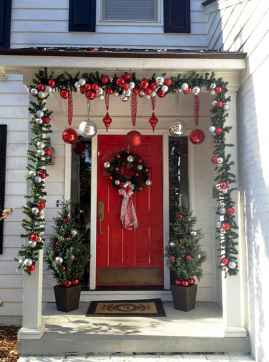 50 Christmas Front Porch Decor Ideas And Makeover (25)