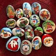 50 Easy DIY Christmas Painted Rock Design Ideas (18)