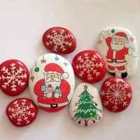 50 Easy DIY Christmas Painted Rock Design Ideas (22)