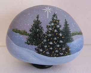 50 Easy DIY Christmas Painted Rock Design Ideas (28)