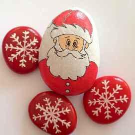 50 Easy DIY Christmas Painted Rock Design Ideas (30)