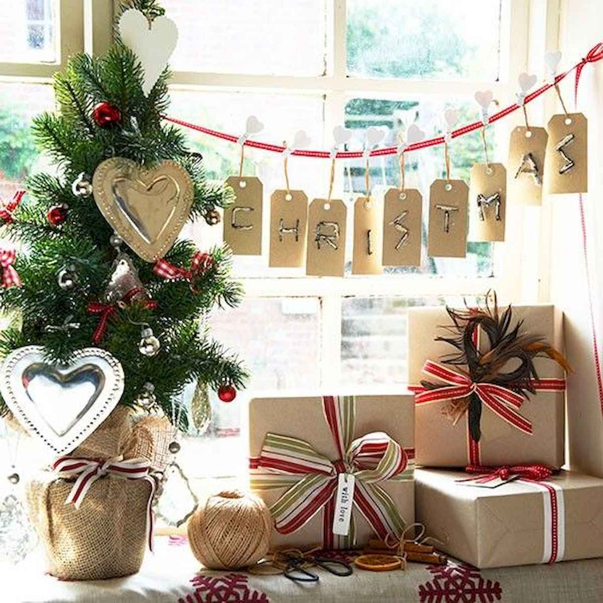60 Best Farmhouse Christmas Decorating Ideas And Makeover (17)
