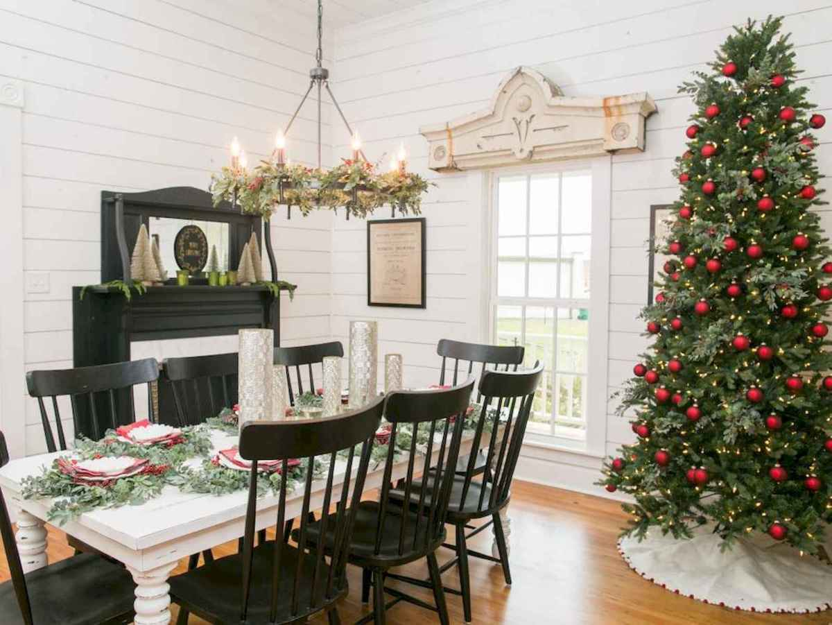 60 Best Farmhouse Christmas Decorating Ideas And Makeover (40)