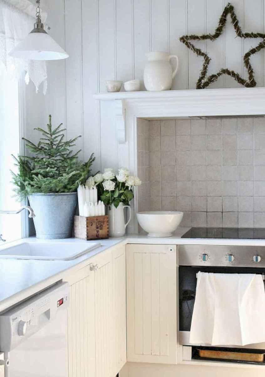 20 Elegant Christmas Kitchen Decor Ideas And Makeover (1)